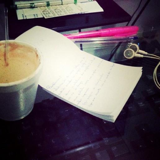 Não há quem resista à uma boa música, algumas palavras e um cappuccino quentinho. (14 de abril de 2014)